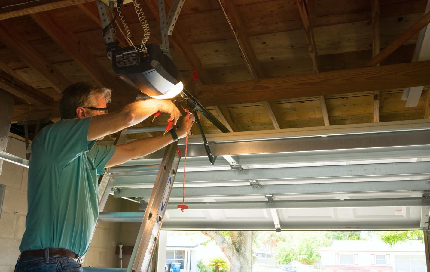 Чем подшить потолок в гараже лучшим способом своими руками 63